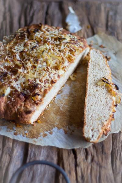 Snel recept kaas uien soda brood bakken