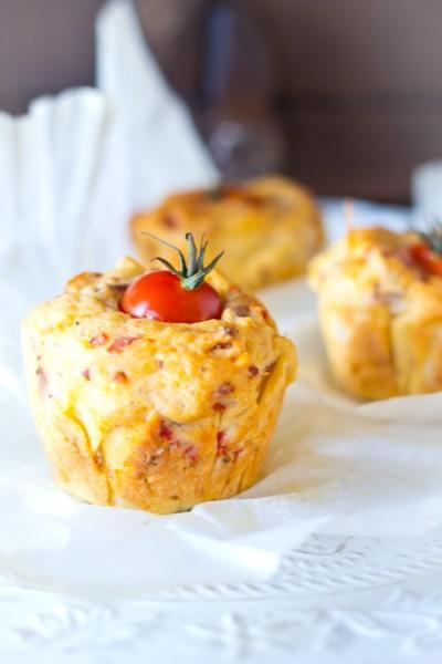 Hartige kwark bacon kaas tomaat muffins