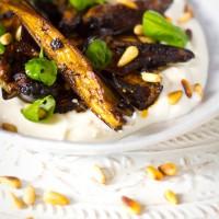 Recept zwarte knoflook dressing over aubergine