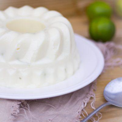 Braziliaanse kokos limoen pudding