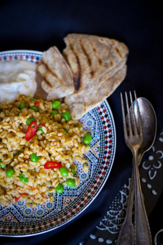 Recept bulgur tomaat doperwt pilav
