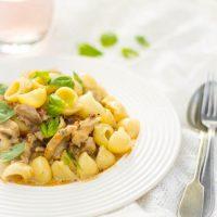 Gorgonzola gedroogde tomaten pastasaus recept met kip