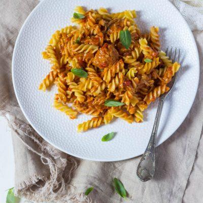 Gestoofd rundvlees tomaten pastasaus recept
